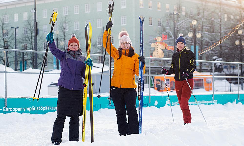 En Finlande, des skis en libre-service pour aller faire ses courses