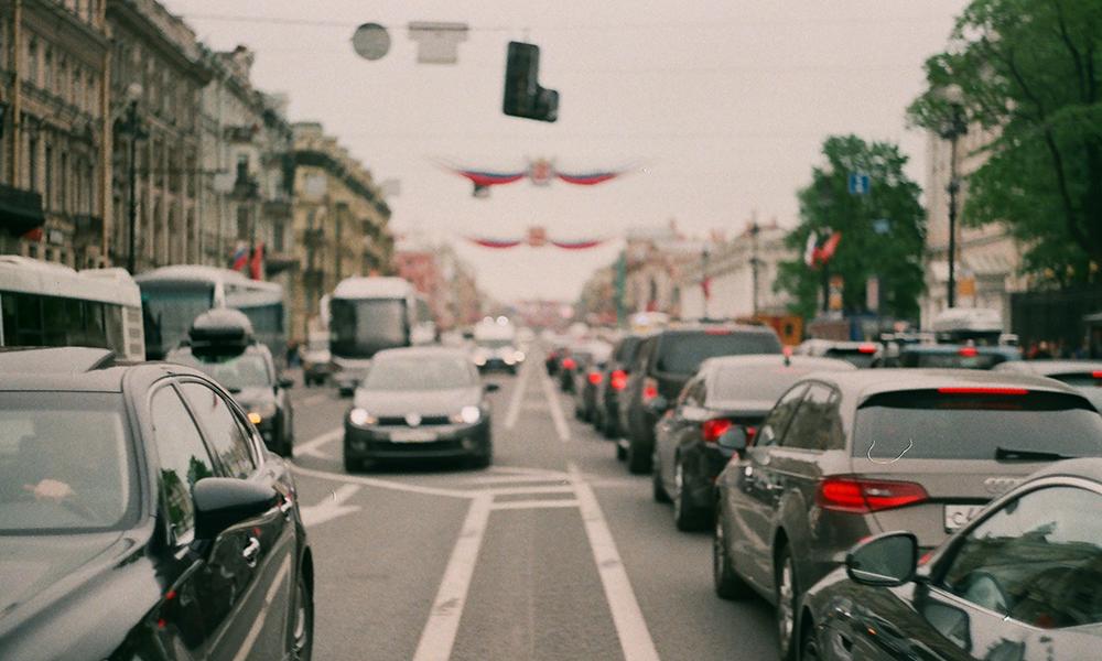 La Suisse réfléchit à taxer ceux qui roulent aux heures de pointe