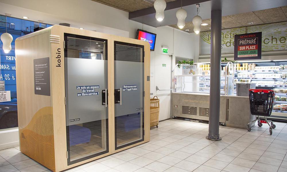 Chez Monoprix, des cabines pour télétravailler avant de passer à la caisse