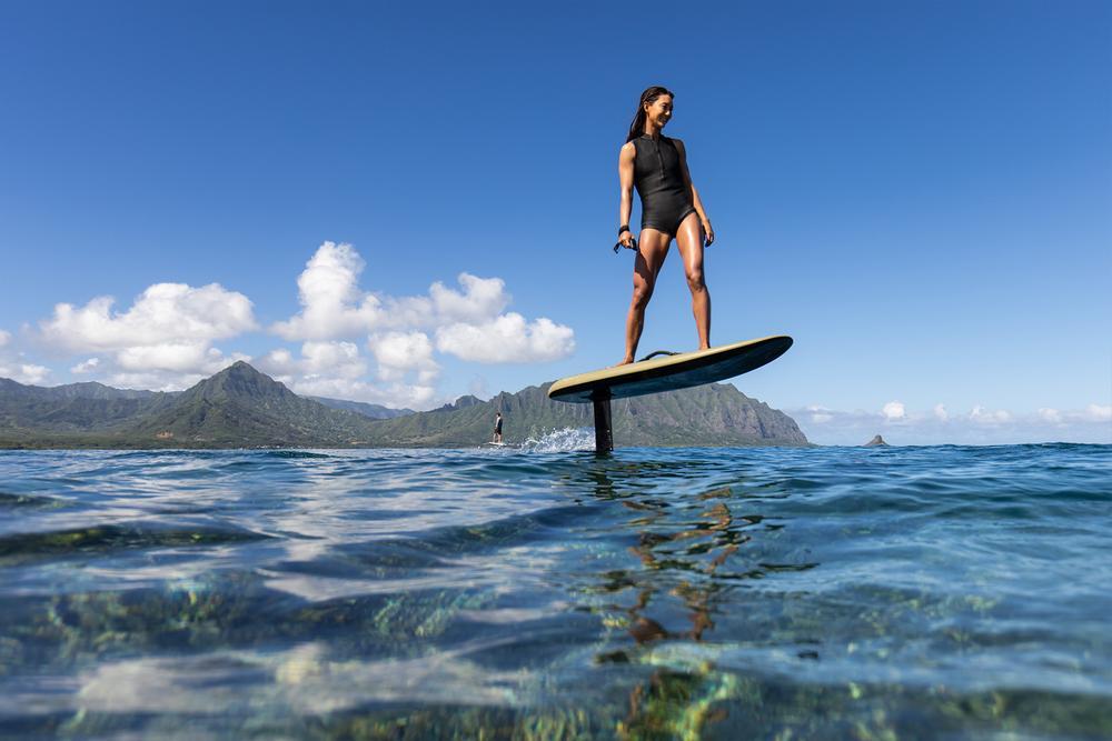 Qui veut surfer sur une planche électrique volante ?
