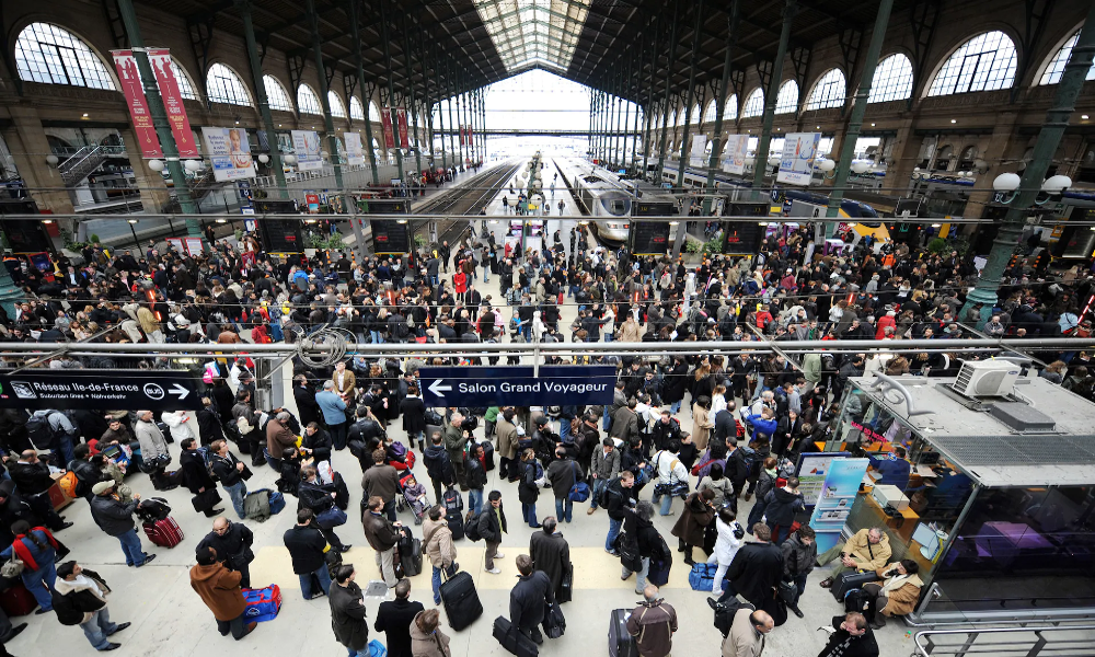 Les Parisiens qui fuient la capitale risquent-ils de contaminer toute la France ?
