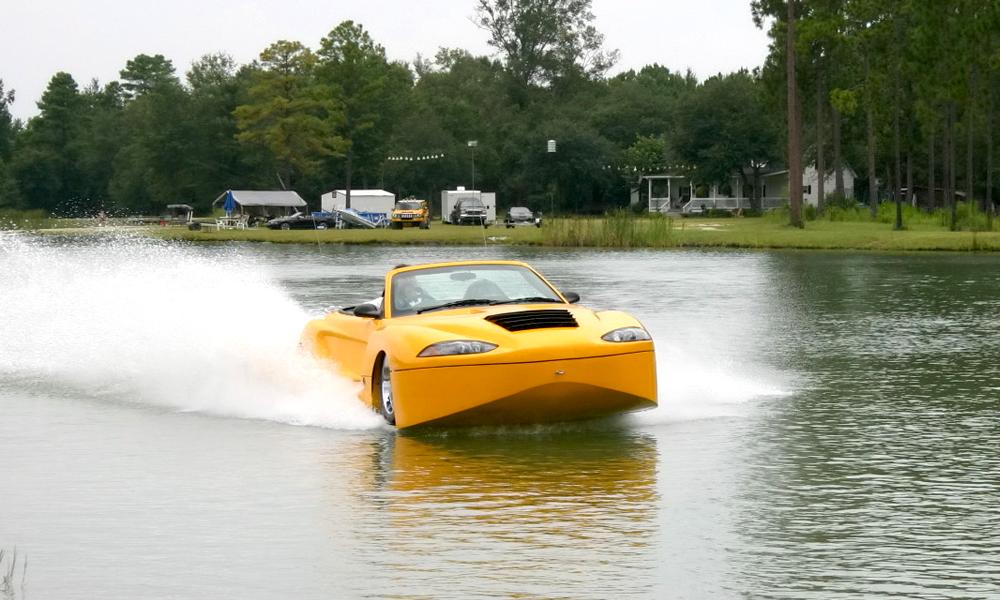 Ce roadster qui roule sur l'eau est à vous pour 160 000 €