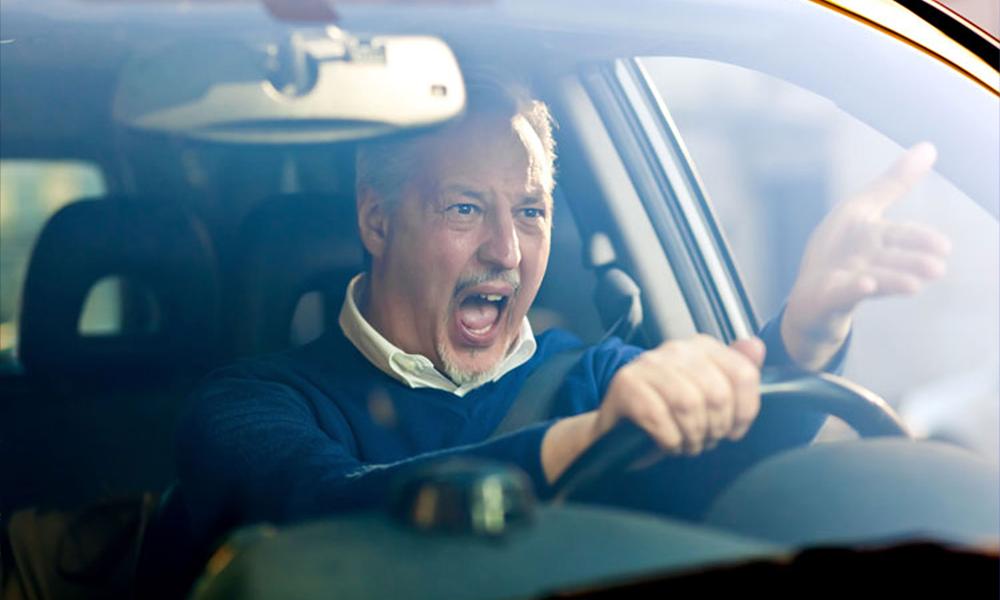 Piétons, cyclistes, automobilistes : ces incivilités qui les agacent le plus sur la route