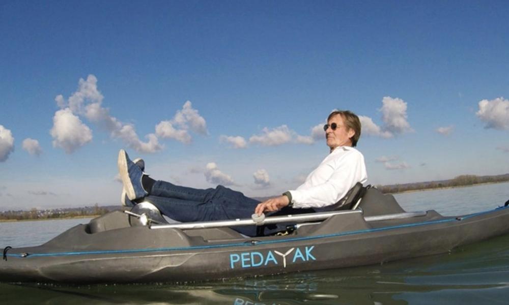 """Voici le """"Pedayak"""", un combo électrique entre le pédalo et le kayak"""