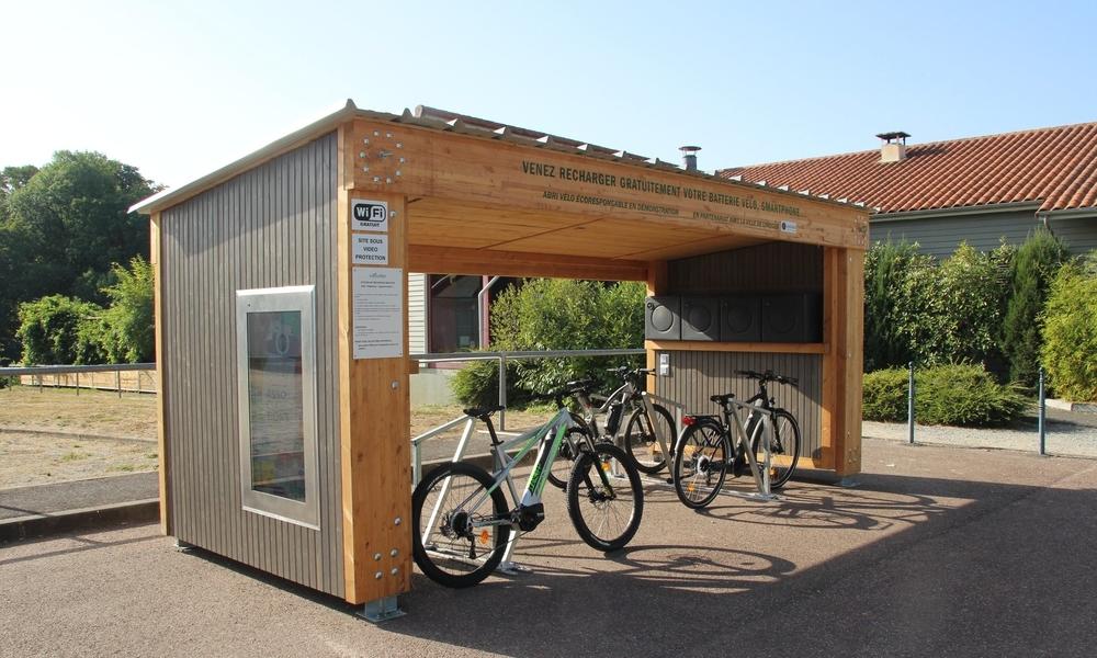 Voici la première station-service pour recharger gratuitement son vélo électrique