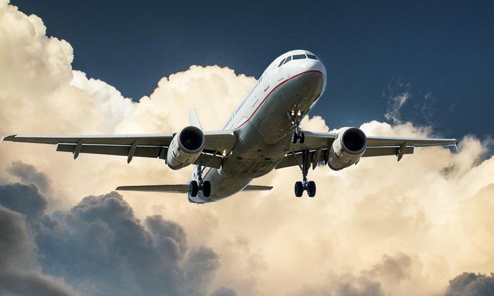 Selon une étude, l'avion est 136 fois plus polluant que le train