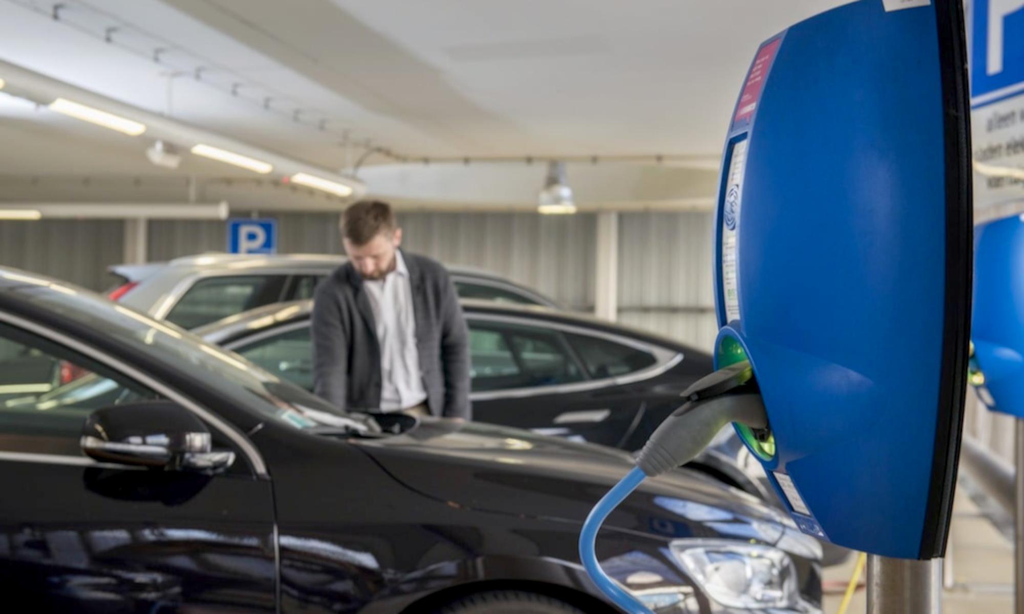Les Français de Zenpark veulent transformer tous les parkings en stations de recharge