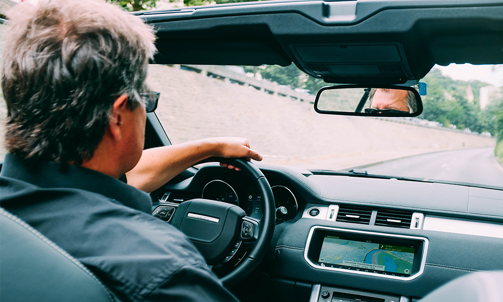 Au fait, combien de kilomètres un Français fait-il tous les ans avec sa voiture ?