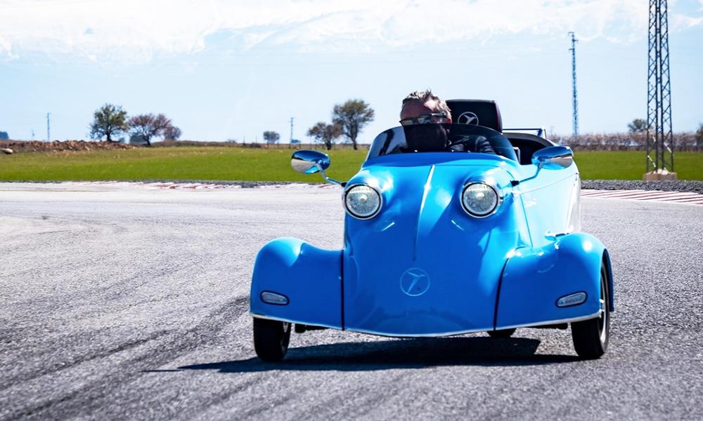 Cette légendaire micro-voiture à trois roues revient en version électrique