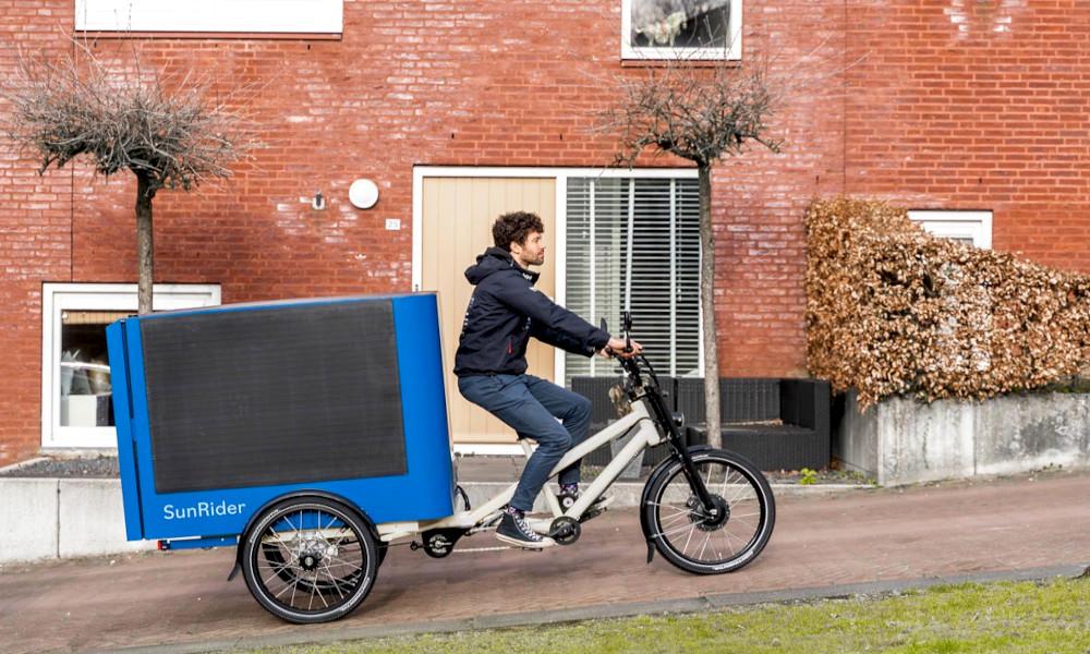 Ce vélo cargo solaire se recharge quand vous pédalez