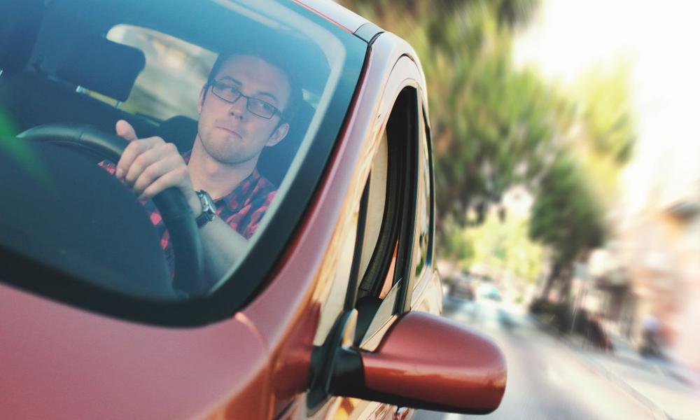 L'Île-de-France teste l'interdiction de rouler seul dans sa voiture
