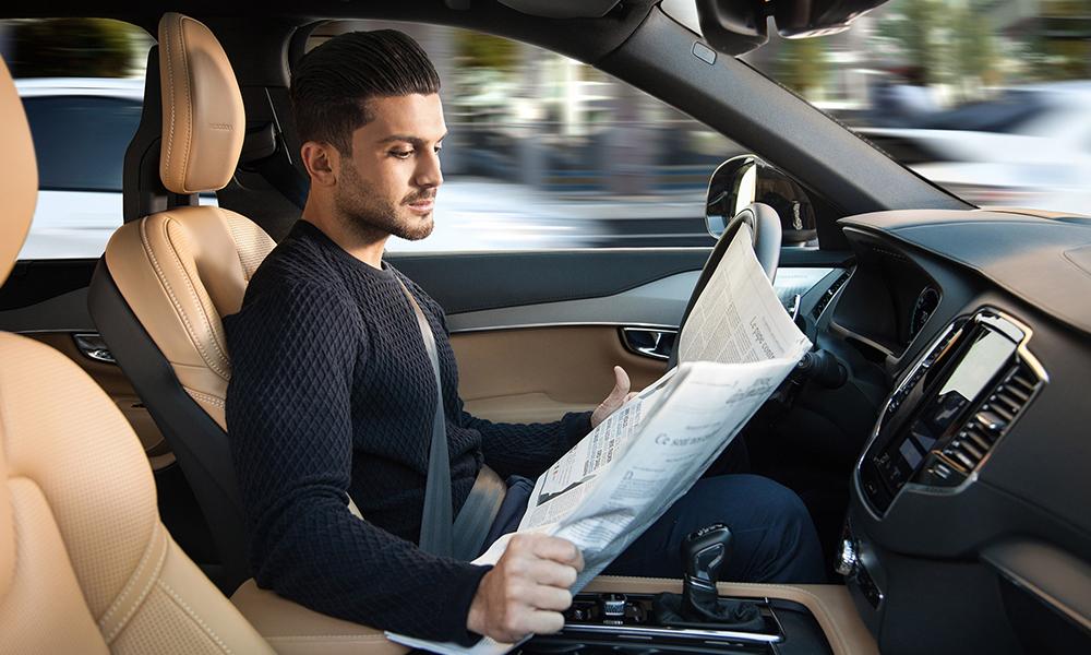 Sondage : les voitures autonomes donneraient envie de conduire plus souvent
