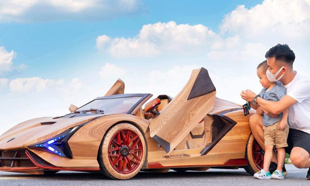 Ce fou furieux construit une Lamborghini électrique en BOIS, puis l'offre à son fils