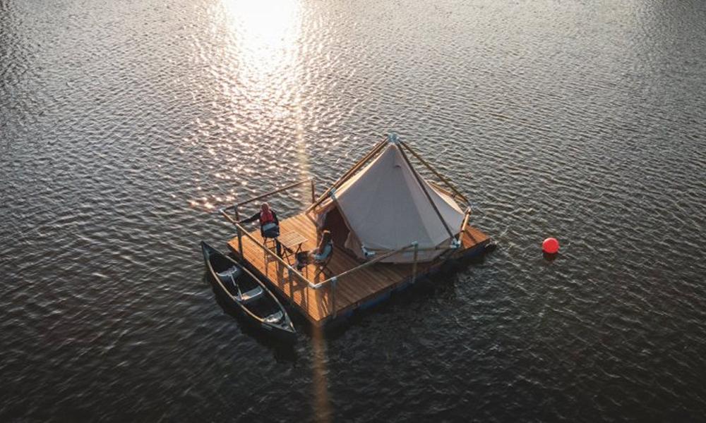 Objectif de vie : tout oublier grâce à cet hôtel planté au milieu d'un lac