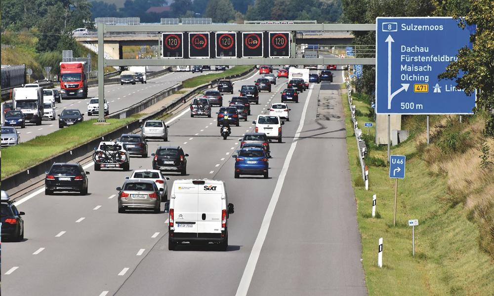 Sur l'autoroute, quelle est la voie la plus rapide en cas d'embouteillages ?