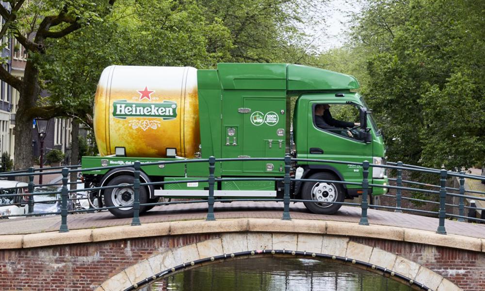 À Amsterdam, la bière est désormais livrée par des camions électriques