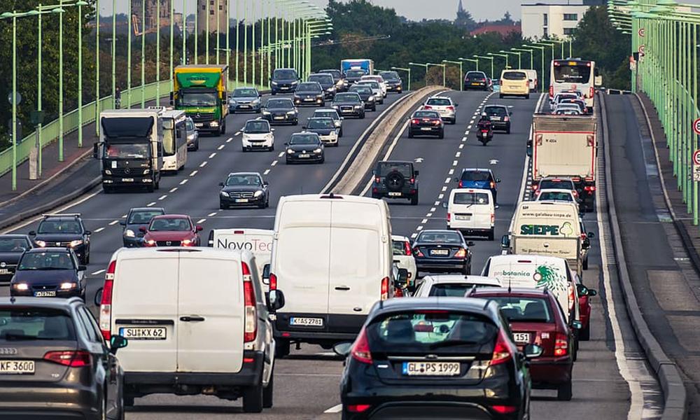 Comment éviter les embouteillages cet été ? On a demandé à Bison Futé