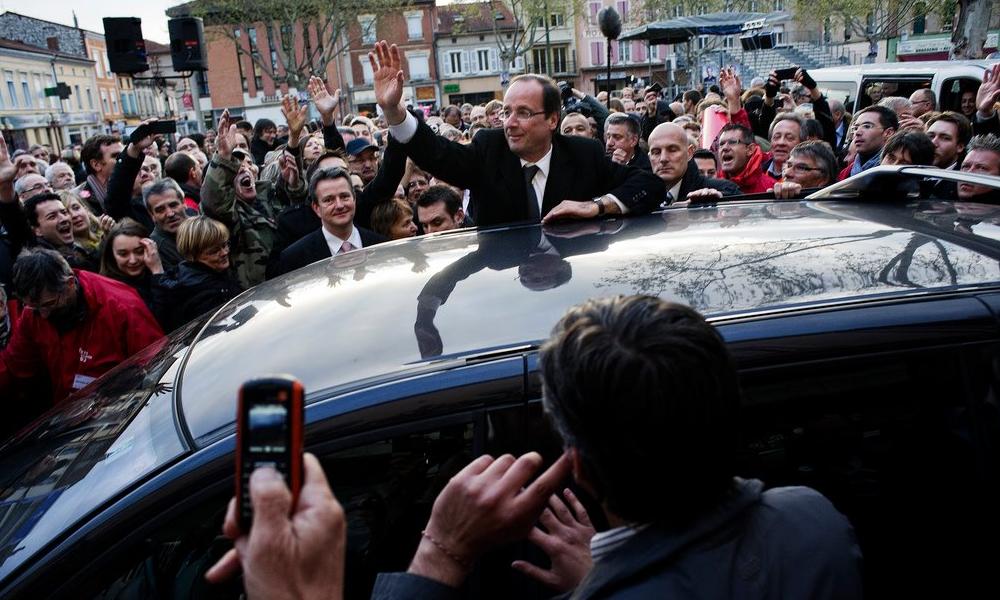 Le changement, c'est maintenant : François Hollande passe à la voiture électrique