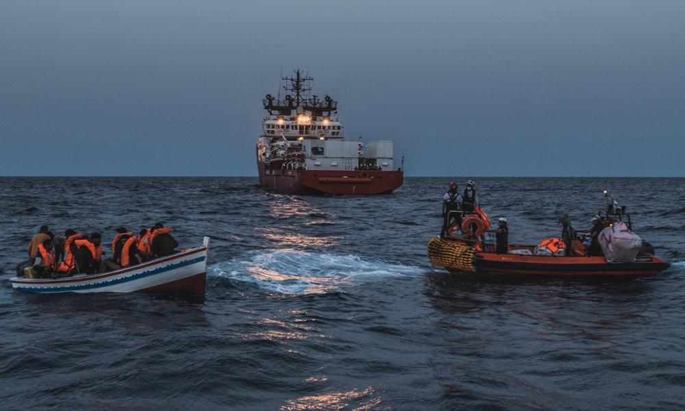 Tous les mois, ce bateau sauve des centaines de migrants de la noyade