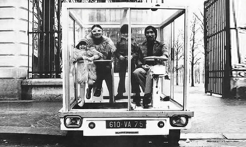 Carrément dingue : ce Français a inventé la voiture en forme de cube transparent