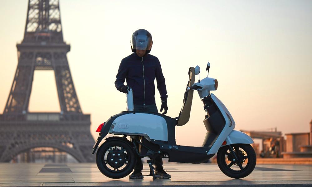 Cocorico : ce scooter français se recharge avec des cartouches d'hydrogène