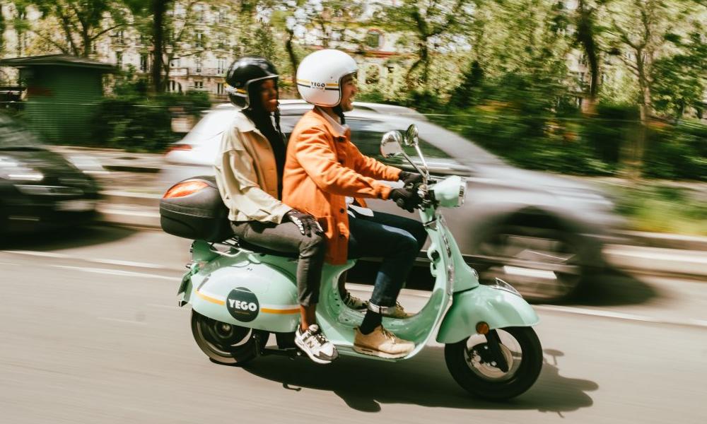 Les scooters électriques rétro Yego débarquent à Paris en libre-service