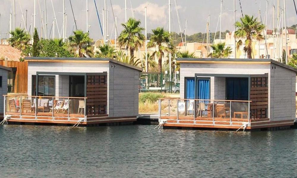 Dites adieu aux paillotes et dormez dans ces bungalows flottants