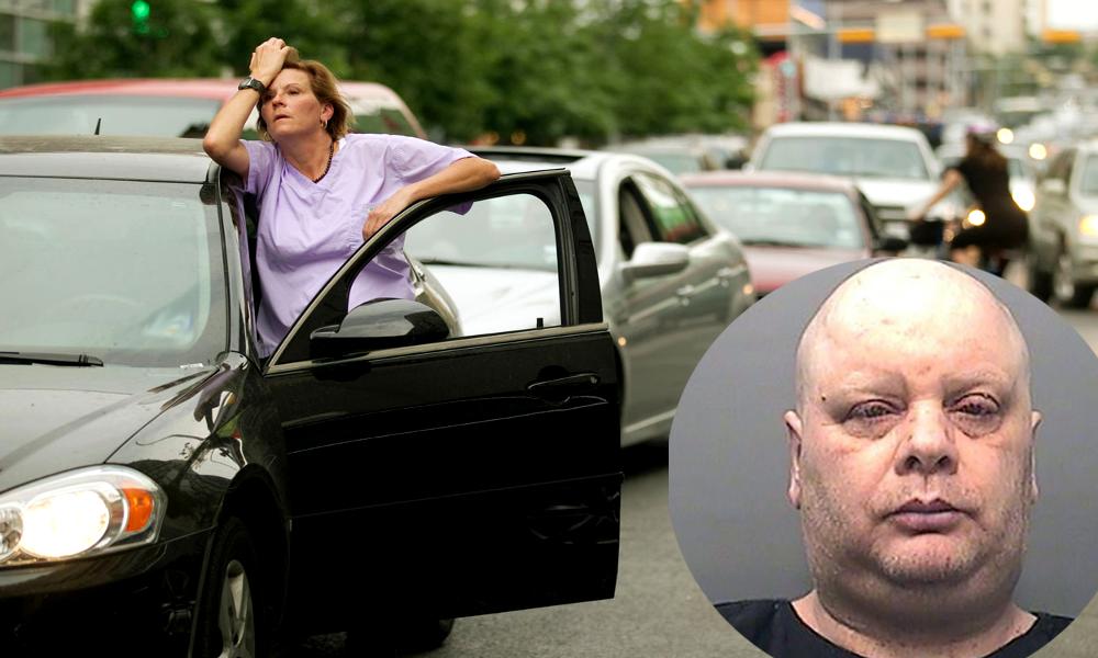 Depuis 7 ans, cet homme bloque une rue pour provoquer des bouchons