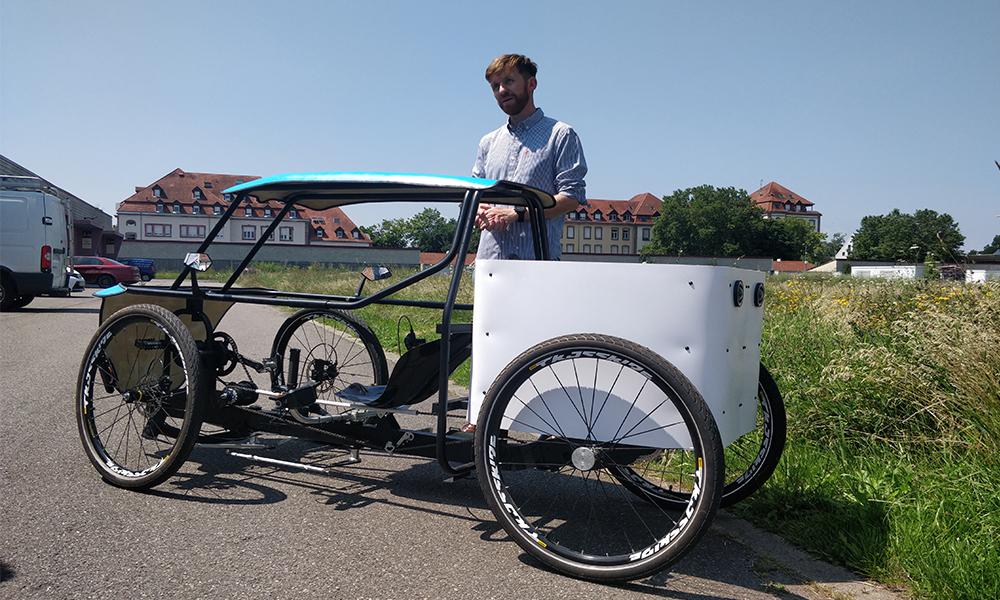 Émission impossible : il invente une voiture-vélo solaire pour livrer sans polluer