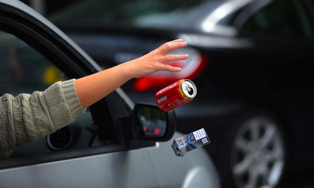1 Français sur 4 avoue encore jeter des déchets par la fenêtre de sa voiture