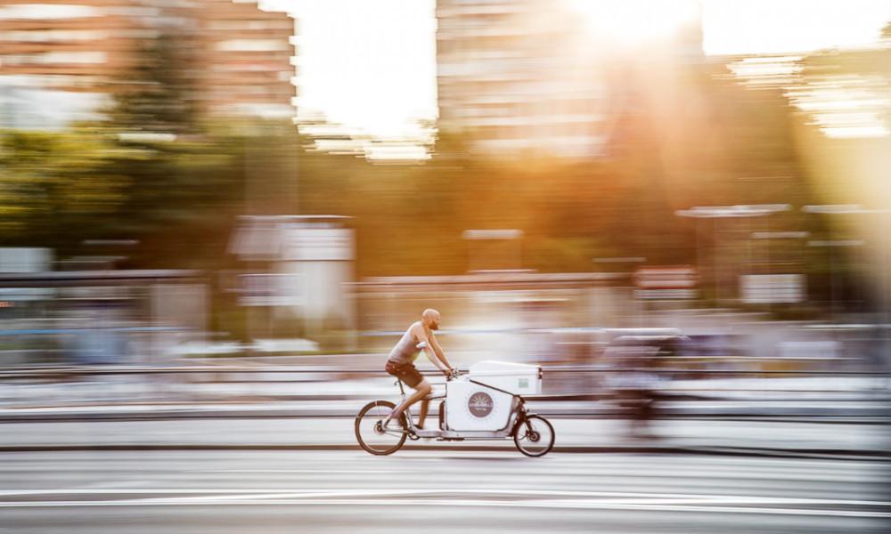 En plus d'être écolo, livrer en vélo électrique est 60 % plus rapide qu'en camionnette