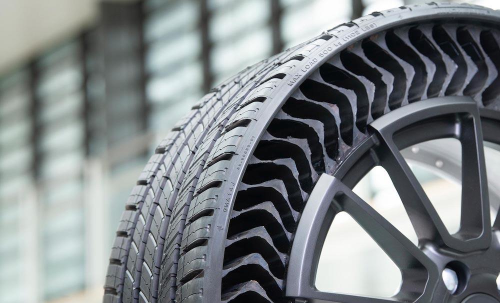 Tout roule pour le pneu increvable de Michelin : sortie prévue en 2024