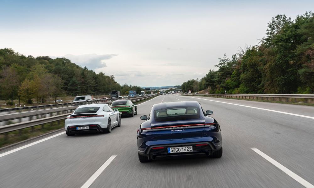 Sur les autoroutes allemandes à vitesse illimitée, les gens roulent en moyenne... à 130 km/h