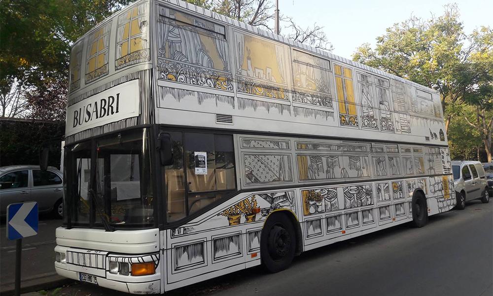 Ce bus parisien n'a qu'un but : offrir du repos aux sans-abris