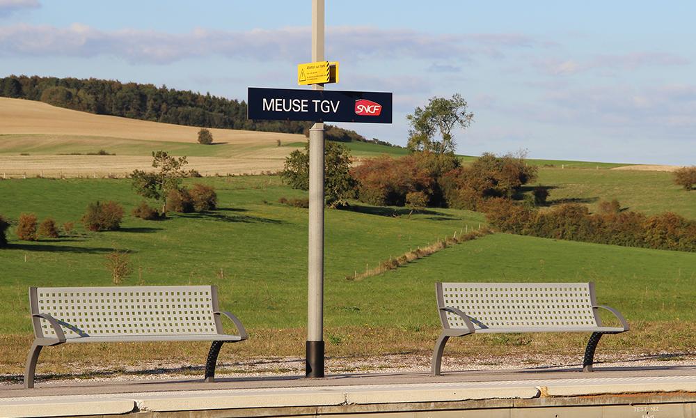 Pourquoi certaines gares TGV sont-elles à l'extérieur des centres-villes ?