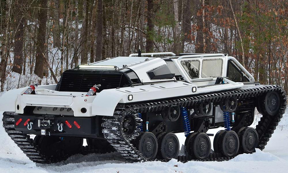 Ce tank de 800 chevaux (!) promet des balades plus sauvages qu'une trottinette électrique