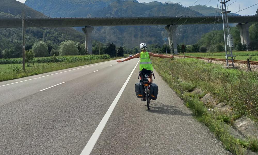 Ce Français va faire 2200 km à vélo pour sa rentrée des classes au Portugal