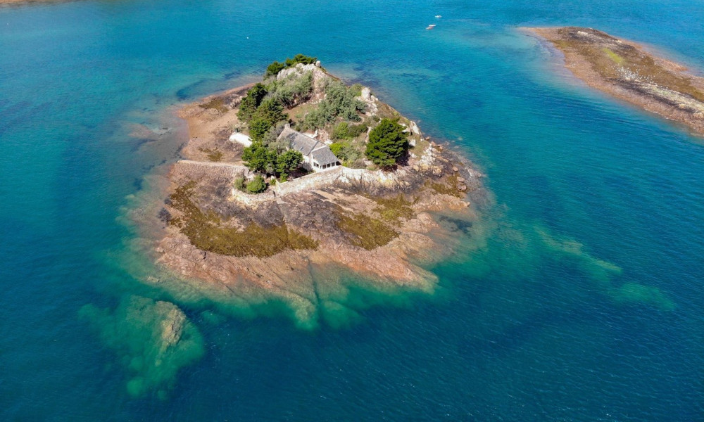 Bon plan : cette île bretonne est à vous pour le prix d'un appartement parisien
