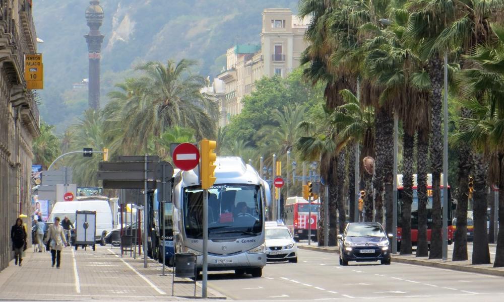À Barcelone, on offre 3 ans de transports gratuits à ceux qui lâchent leur voiture