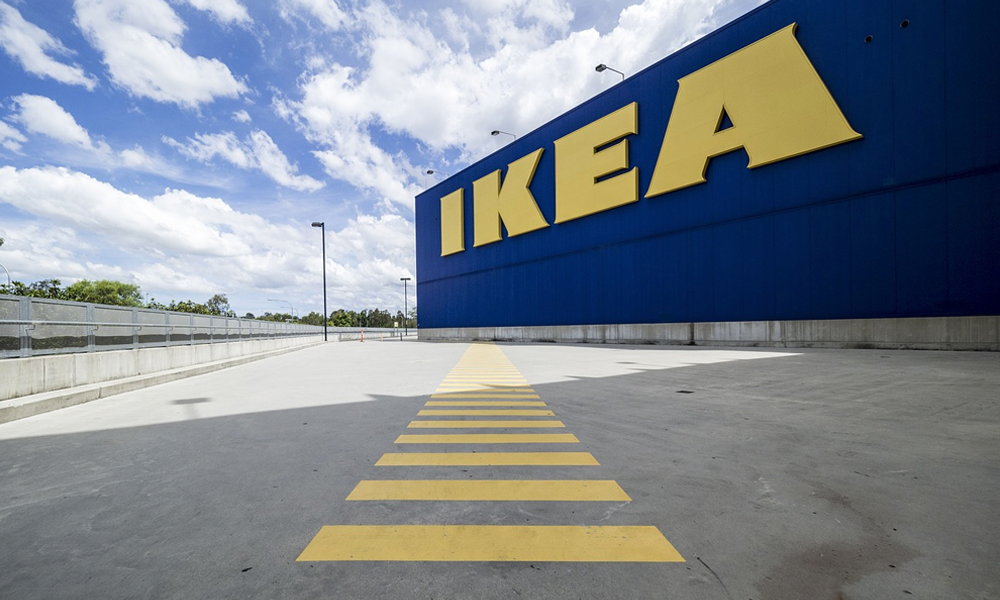 Ikea annonce des bornes de recharge dans tous ses magasins (et elles ne seront pas à monter soi-même)