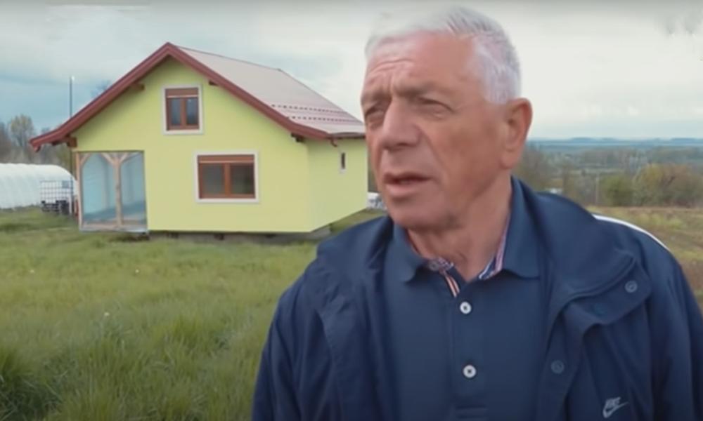 Pour casser la routine, il construit une maison qui tourne pour sa femme