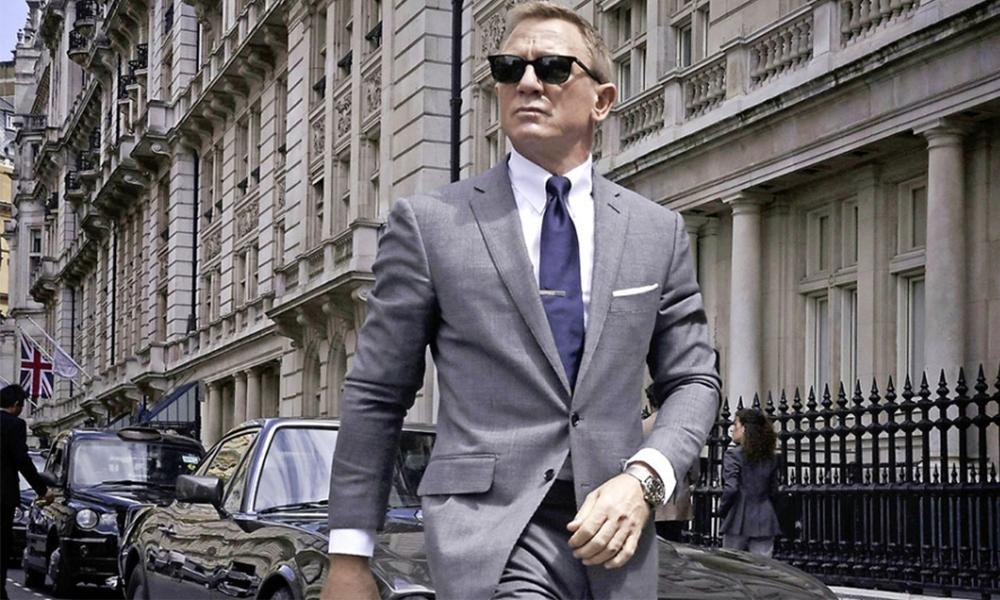 """60 ans après ses débuts, James Bond va enfin conduire une voiture """"propre"""""""