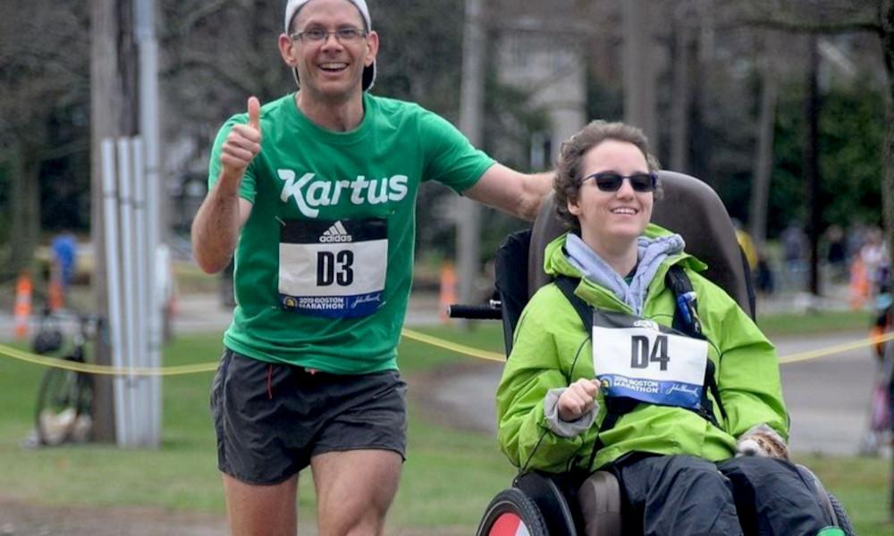 Record : il court 24H non stop en poussant des personnes en fauteuil roulant