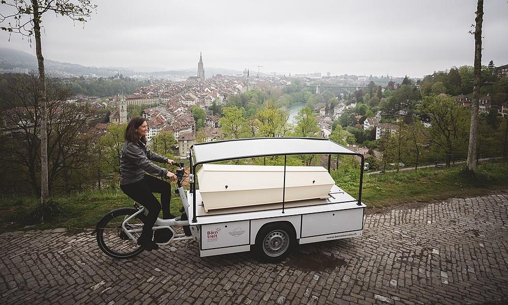 Mortel : ce vélo-cargo peut remplacer les tristes corbillards