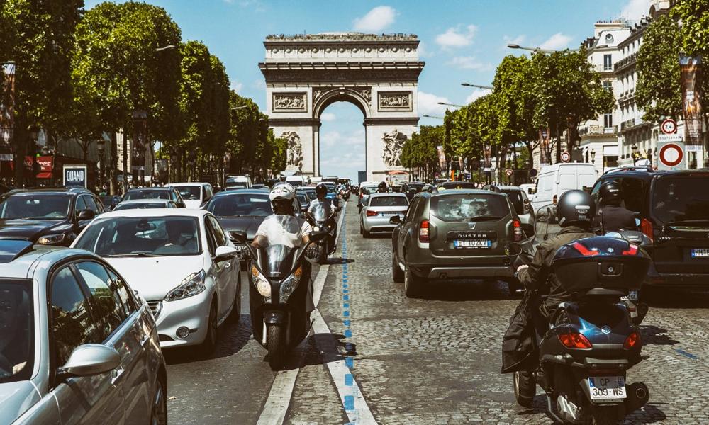 A Paris, le trafic automobile a diminué de 50% en 30 ans